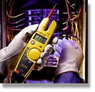 FLUKET5600 FLUKE T5-600 OPENJAW 600 VOLT VOLTAGE CONTINUITY AND CURRENT TESTER IN ONE COMPACT TOOL MEASURES TO 600 VOLT AC/DC RESISTANCE TO 1000 OHMS CONTINUITY BEEPER INCLUDES TEST LEADS AND PROBES AUTO OFF QTY 1